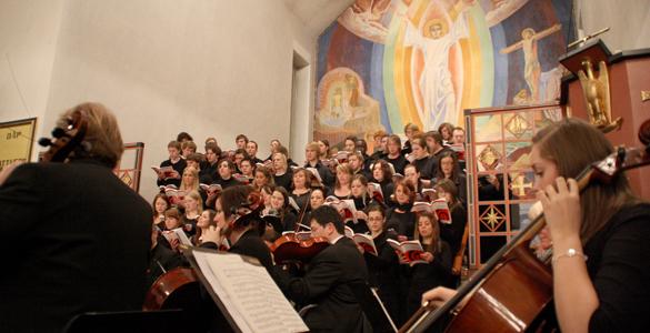 Symfoniorkesteret og Høgskulekoret ved Høgskulen  Volda